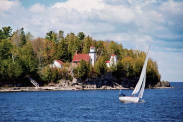 Sherwood-Point-Lighthouse-3-e1411058183502